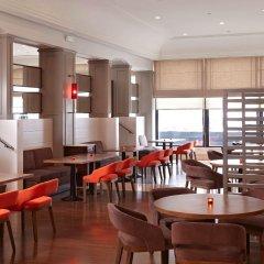 Отель Hyatt Regency Bishkek гостиничный бар