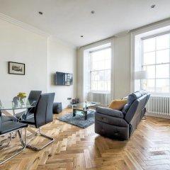 Отель Modern Home 5 Minutes Walk From Princes Street Великобритания, Эдинбург - отзывы, цены и фото номеров - забронировать отель Modern Home 5 Minutes Walk From Princes Street онлайн комната для гостей фото 4