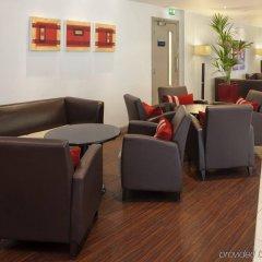 Отель Holiday Inn Express London - Dartford интерьер отеля