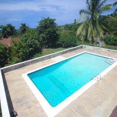 Отель Burlingame Villa Ямайка, Монтего-Бей - отзывы, цены и фото номеров - забронировать отель Burlingame Villa онлайн бассейн