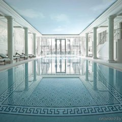 Shangri-La Hotel Paris Париж бассейн