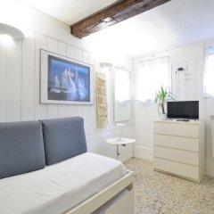 Апартаменты Calle Del Forno Apartment комната для гостей