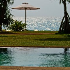 Отель Temple Tree Resort & Spa Шри-Ланка, Индурува - отзывы, цены и фото номеров - забронировать отель Temple Tree Resort & Spa онлайн бассейн фото 3