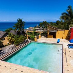 Отель The Wexford Hotel Montego Bay Ямайка, Монтего-Бей - отзывы, цены и фото номеров - забронировать отель The Wexford Hotel Montego Bay онлайн бассейн фото 2