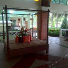 Отель Krabi Front Bay Resort гостиничный бар