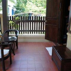 Отель Villa Lao Wooden House балкон