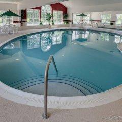 Отель Country Inn & Suites Columbus Airport-East бассейн