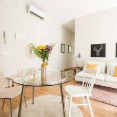 Отель Chic Rentals Gran Via Испания, Мадрид - отзывы, цены и фото номеров - забронировать отель Chic Rentals Gran Via онлайн комната для гостей фото 3
