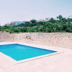 Отель Inhawi Hostel Мальта, Слима - 1 отзыв об отеле, цены и фото номеров - забронировать отель Inhawi Hostel онлайн бассейн фото 2