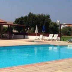 Отель Constantaras Apartments Кипр, Протарас - отзывы, цены и фото номеров - забронировать отель Constantaras Apartments онлайн бассейн фото 3