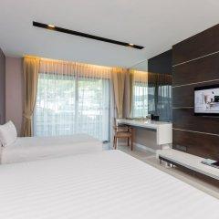 Отель The Charm Resort Phuket Пхукет сейф в номере