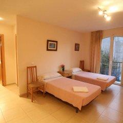 Отель Royal Inn Aparthotel Испания, Льорет-де-Мар - 1 отзыв об отеле, цены и фото номеров - забронировать отель Royal Inn Aparthotel онлайн комната для гостей фото 2