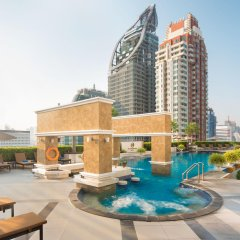 The Berkeley Hotel Pratunam бассейн