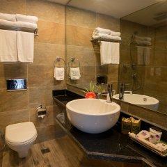 Отель Park Village by KGH Group Непал, Катманду - отзывы, цены и фото номеров - забронировать отель Park Village by KGH Group онлайн ванная