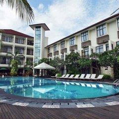 Отель Best Western Resort Kuta бассейн