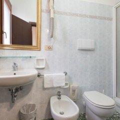 Отель Albergo Basilea Венеция ванная фото 2