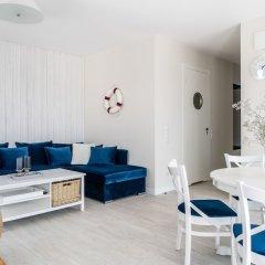 Апартаменты Lion Apartments - Blue Marina комната для гостей
