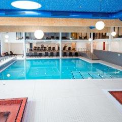 Отель Carat Golf & Sporthotel бассейн фото 2