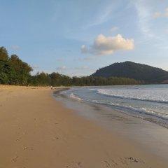 Отель Dewa Phuket Nai Yang Beach Таиланд, Пхукет - 1 отзыв об отеле, цены и фото номеров - забронировать отель Dewa Phuket Nai Yang Beach онлайн пляж фото 2