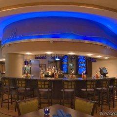 Отель Embassy Suites Minneapolis - Airport Блумингтон гостиничный бар