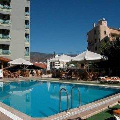 Karen Hotel бассейн
