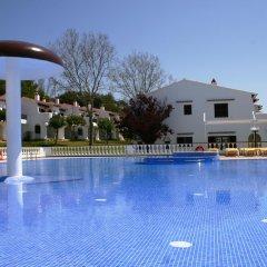 Отель Apartamentos Son Bou Gardens бассейн