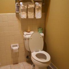 Отель Coach Light Inn ванная