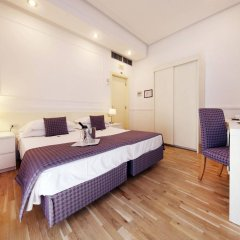 Traiano Hotel сейф в номере