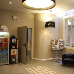 Отель Hostal Plaza Goya Bcn Барселона банкомат