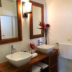 Отель Villa Riviera - Tahiti Французская Полинезия, Пунаауиа - отзывы, цены и фото номеров - забронировать отель Villa Riviera - Tahiti онлайн ванная