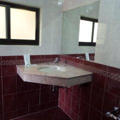 Отель Motel Los Prados - Adults Only Тлальнепантла-де-Бас ванная