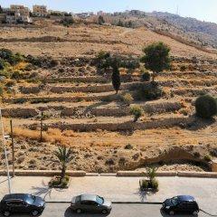 Отель Sunset Hotel Иордания, Вади-Муса - отзывы, цены и фото номеров - забронировать отель Sunset Hotel онлайн парковка
