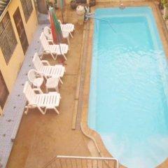 Отель Jips Guesthouse бассейн