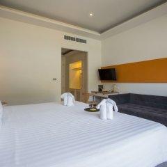 Отель The Melody Phuket сейф в номере