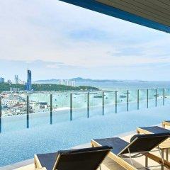 Отель Pattaya Central Sea View Pool Suite Паттайя балкон