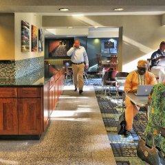 Отель Georgetown Suites развлечения