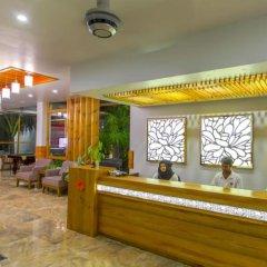 Отель Kaani Village & Spa интерьер отеля