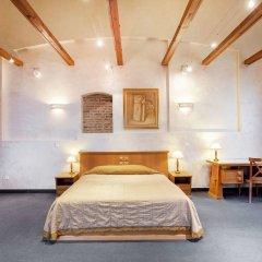Апартаменты Atrium Suites комната для гостей