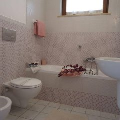Отель Villa Dafne Бари ванная