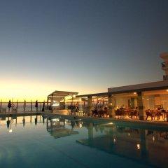 Отель Nereida Aparthotel бассейн