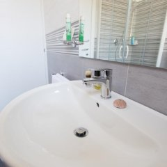 Byron Light Hotel ванная фото 2