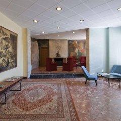 Отель Apartamentos Montserrat Abat Marcet интерьер отеля