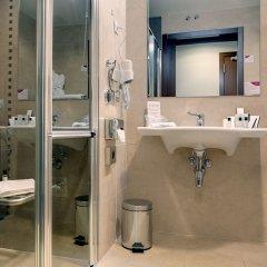 Отель Crowne Plaza Madrid Airport ванная фото 2