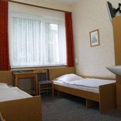 Отель Berg Германия, Кёльн - 12 отзывов об отеле, цены и фото номеров - забронировать отель Berg онлайн комната для гостей фото 3