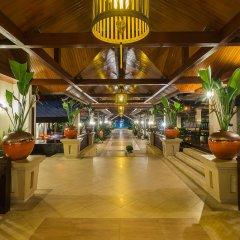 Отель Ravindra Beach Resort And Spa интерьер отеля