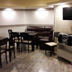 Отель Advel Guest House Болгария, Боровец - отзывы, цены и фото номеров - забронировать отель Advel Guest House онлайн гостиничный бар