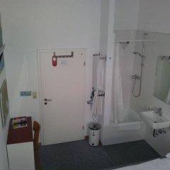 Отель Pension Am Jakobsplatz Мюнхен ванная фото 2