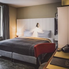 Отель Henri Hotel Hamburg Downtown Германия, Гамбург - 1 отзыв об отеле, цены и фото номеров - забронировать отель Henri Hotel Hamburg Downtown онлайн сейф в номере
