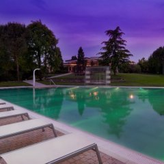 Отель Terme Mioni Pezzato & Spa Италия, Абано-Терме - 1 отзыв об отеле, цены и фото номеров - забронировать отель Terme Mioni Pezzato & Spa онлайн бассейн фото 2