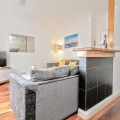 Апартаменты Celebrity Apartments Brighton Queens комната для гостей фото 4